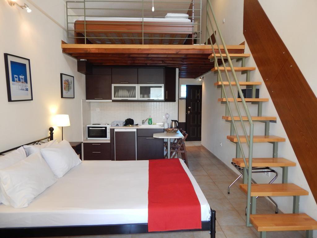 Transfer Kripis Studio Hotel