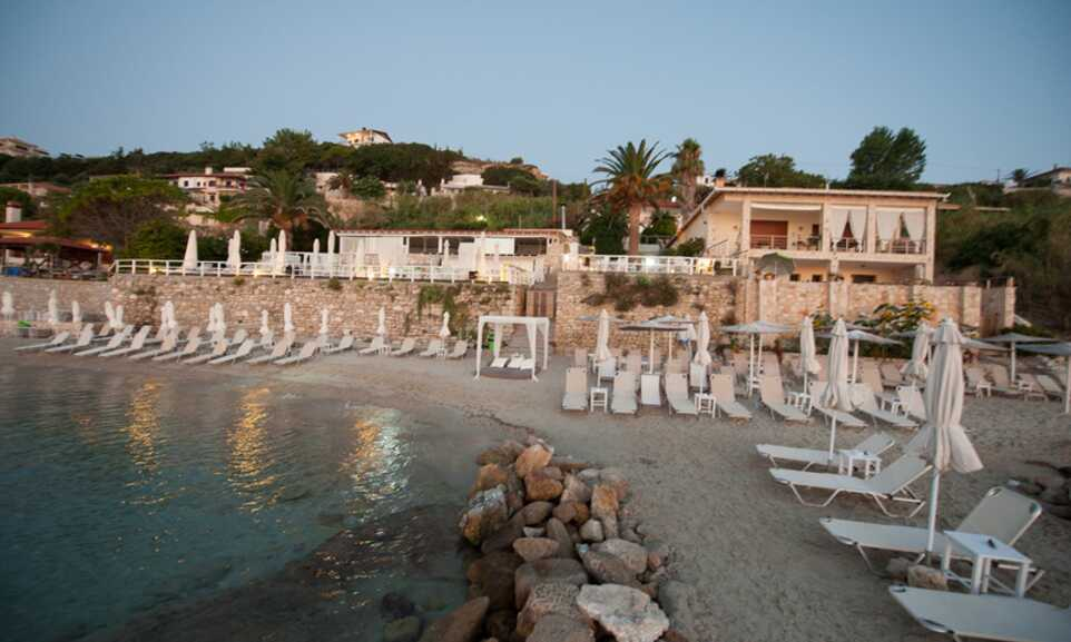 Transfer White Suites Resort